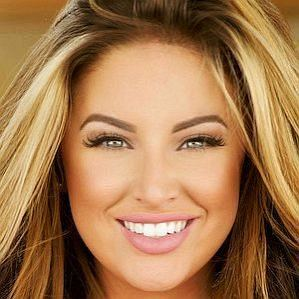 who is Ashley Alexiss dating