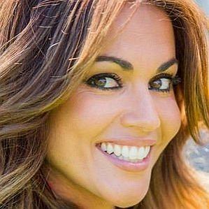 who is Lara Alvarez dating