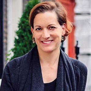 Anne Applebaum profile photo