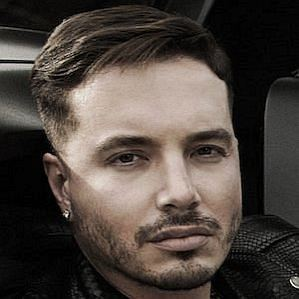 J Balvin profile photo