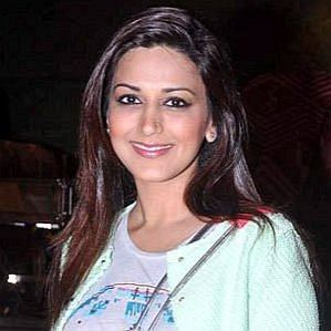 who is Sonali Bendre dating