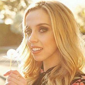 Violet Benson profile photo