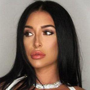 Erin Budina profile photo