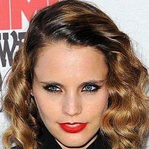Anna Calvi profile photo