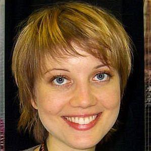 Allison Mack Wife