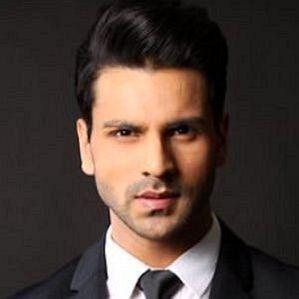 who is Vivek Dahiya dating