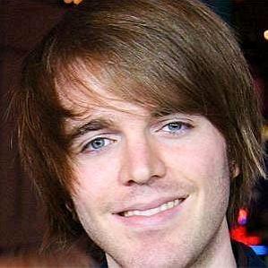 who is Shane Dawson dating