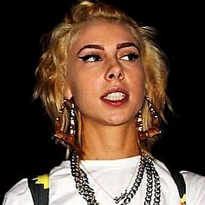 who is Lil Debbie dating