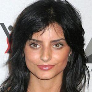 who is Aislinn Derbez dating