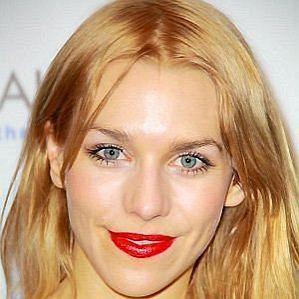 Julia Dietze profile photo