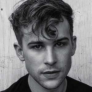 Tommy Dorfman profile photo