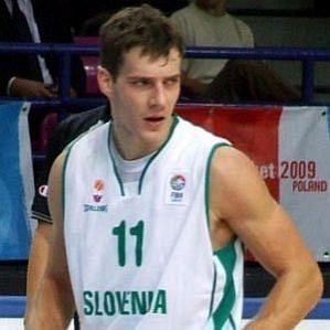 who is Goran Dragic dating