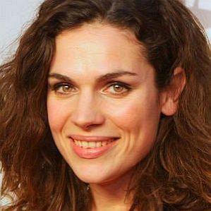 Anna Drijver profile photo