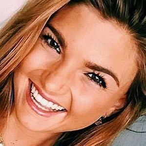 Sjana Earp profile photo