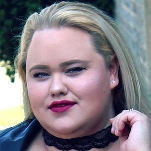 Chloe Elliott profile photo
