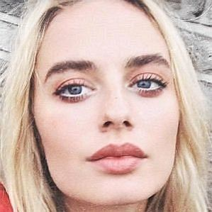 Sonya Esman profile photo