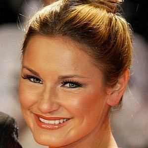 who is Sam Faiers dating