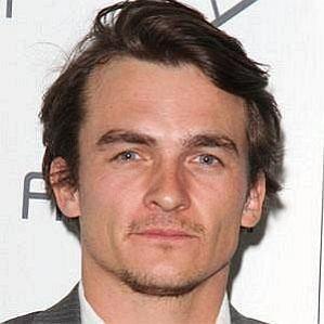 Aimee Mullins Husband