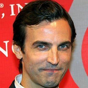 Nicolas Ghesquiere profile photo