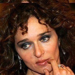 who is Valeria Golino dating