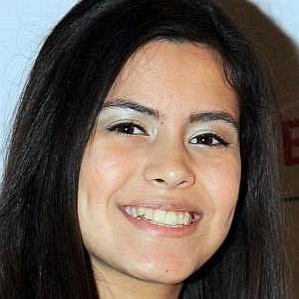 who is Araceli Gonzalez dating