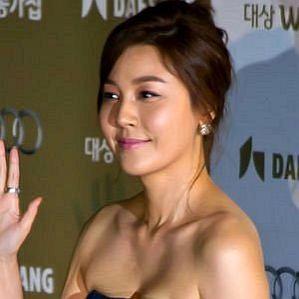 Kim Ha-neul profile photo