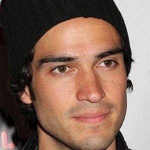 Alfonso Herrera profile photo