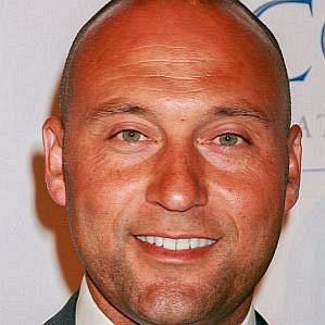 who is Derek Jeter dating