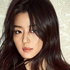 Jun Ji-hyun profile photo