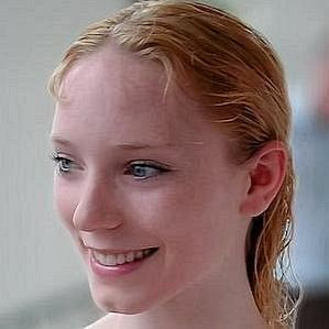 who is Sarah Lamb dating
