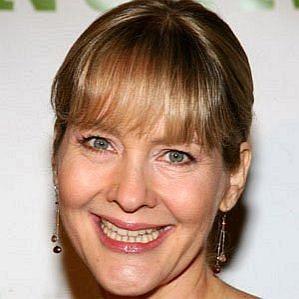 who is Linda Larkin dating