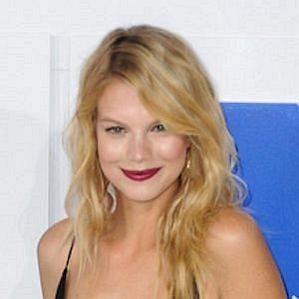 Nadine Leopold profile photo