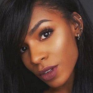 Vicky Logan profile photo