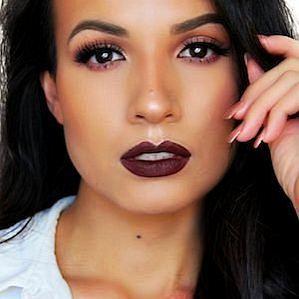 Adriana Luna profile photo