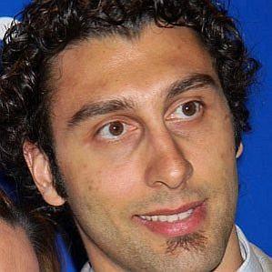 who is Roberto Luongo dating