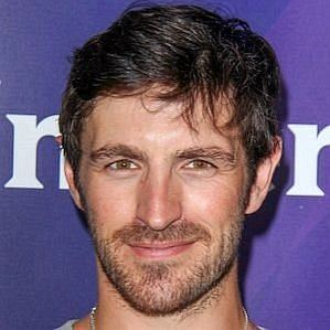 who is Eoin Macken dating