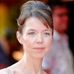 Anna Maxwell Martin profile photo