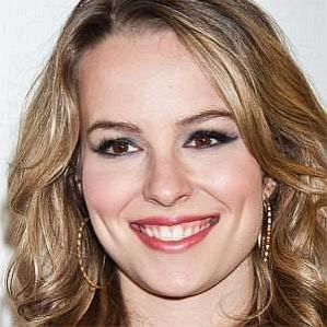 Bridgit Mendler profile photo