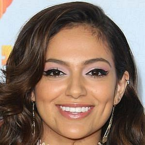 who is Bethany Mota dating