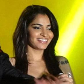 Shruti Pathak profile photo