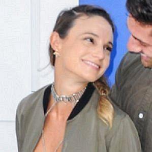 who is Laura Perlongo dating