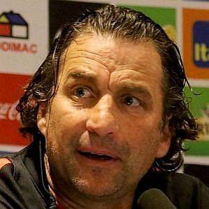 Juan Antonio Pizzi profile photo
