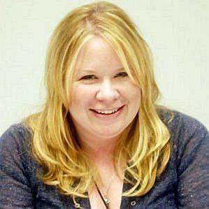 Julie Plec profile photo