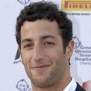 who is Daniel Ricciardo dating