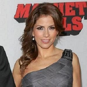 Eugenio Derbez Wife
