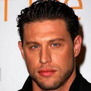 JR Rotem profile photo