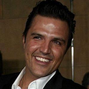 Claudia Alvarez Husband