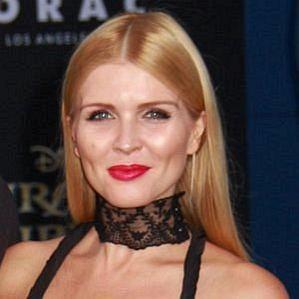 who is Elena Samodanova dating