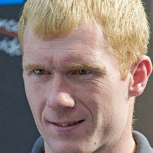 who is Paul Scholes dating
