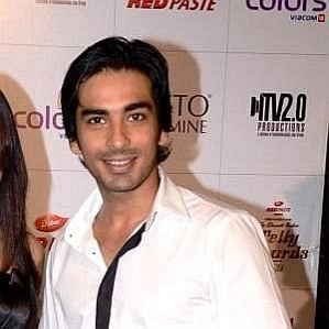 who is Mohit Sehgal dating